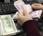 Economists concerned about rise in US dollar after it exceeds 4 Turkish liras again