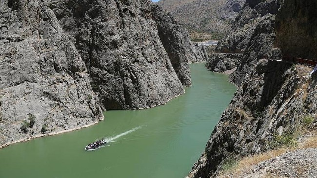 Unforgettable Zipline Experience Over Euphrates River Makes Adrenalin Seekers Happy Business Turkey Today News Economy Politics Travel